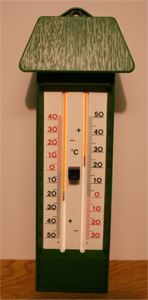 a basic maximum and minimum thermometer